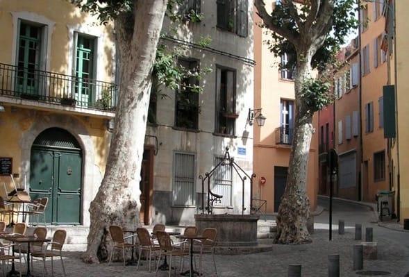 Place de la Revolution Francaise