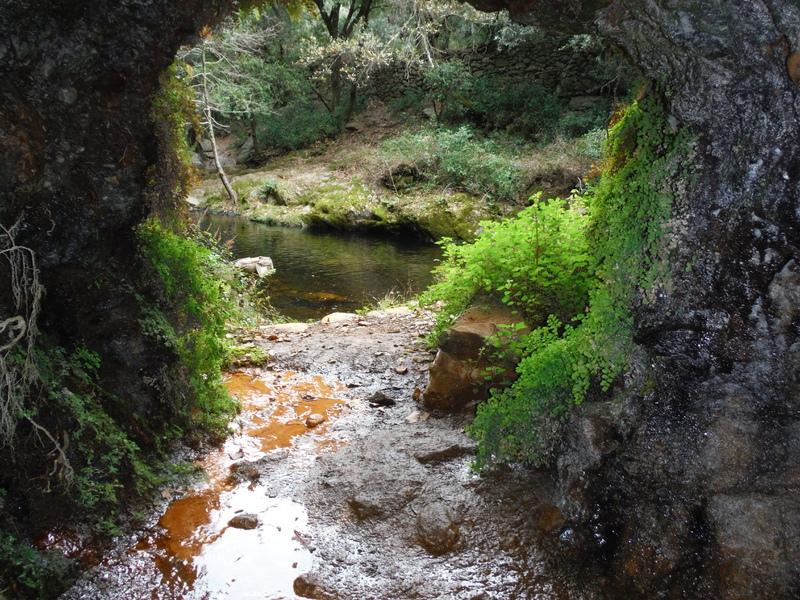mineral fountain, Laroque