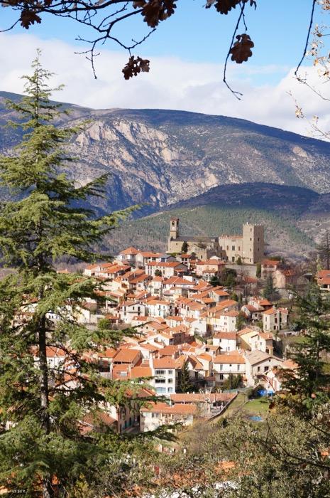 vieux village depuis belvedere copyright emilie