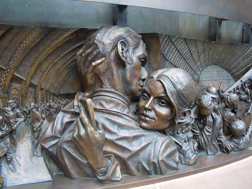 Sculpture The Meeting Place by Paul Day in Saint-Pancras station in London.