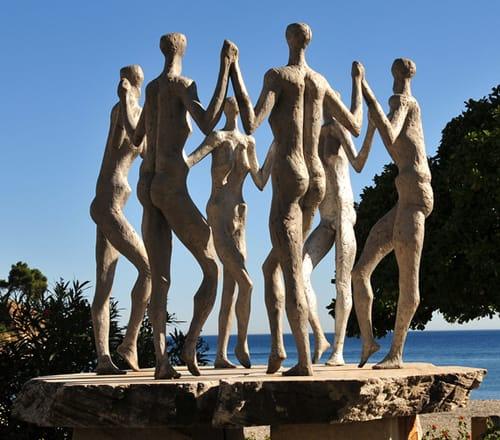 Banyuls Pat Rowland, sculptor, Oms