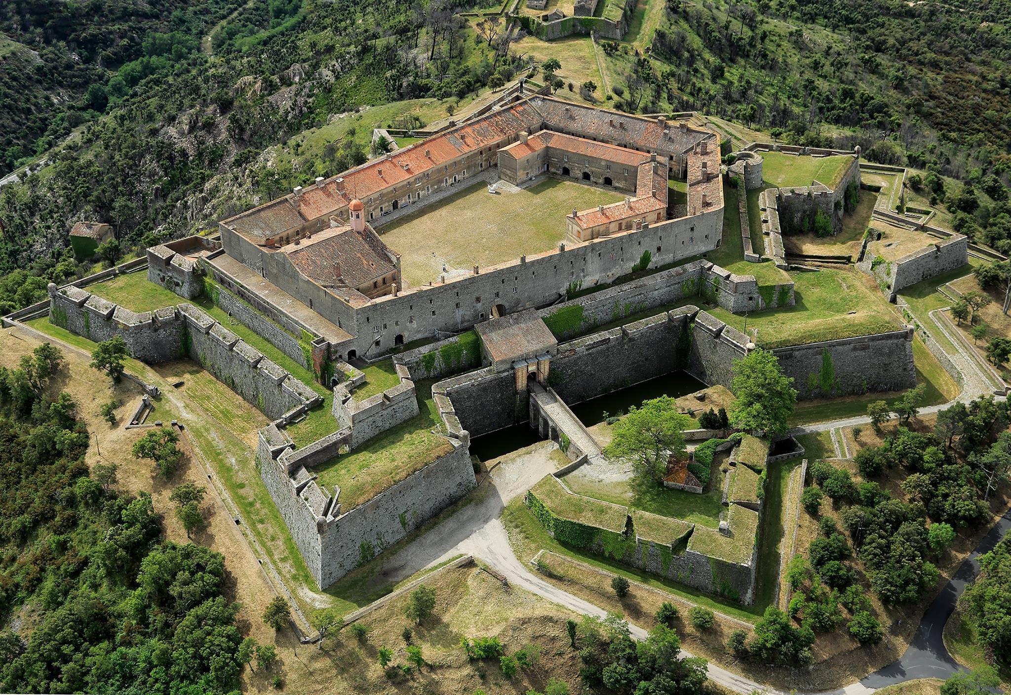 Fort Bellegarde, Le Perthus