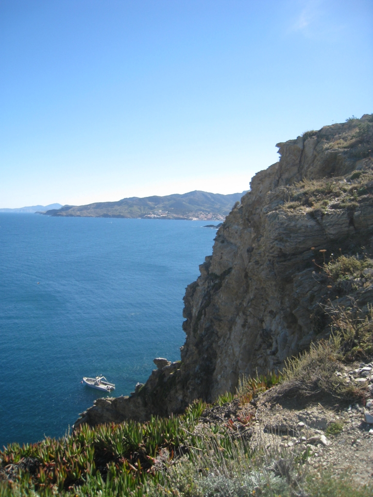cliffs on coast path between Bernadi and Cap Bear