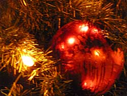 Origin of Chrismas baubles