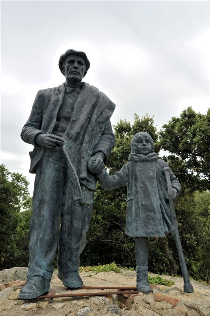 pere gracias monument-a-lexili-1